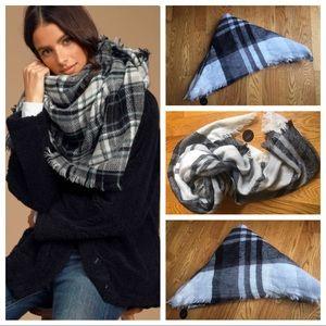 NWT Lulu nyc Blanket Scarf